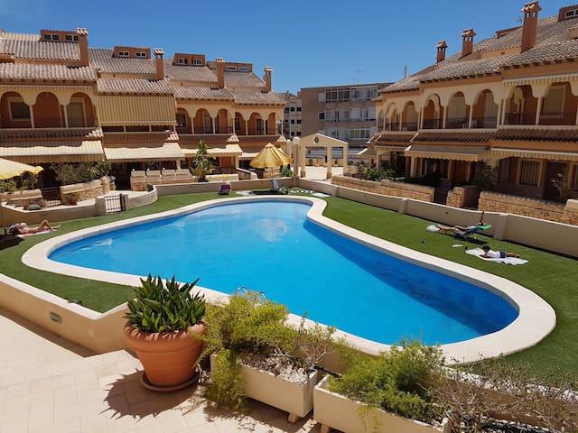 Apartamento planta baja, piscina a 50 mts de playa