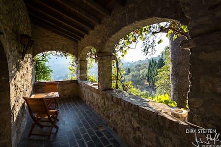Castello del 1400, tra Portofino e 5 Terre - Aigo