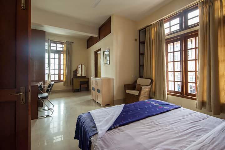 Blue Vanda Main Bedroom (2)