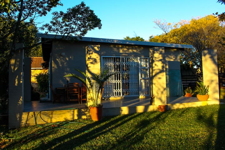 B & B COUNTRY/URBAN STAY/COTTAGE/FARMSTAY - Johannesburg - Chatka w górach