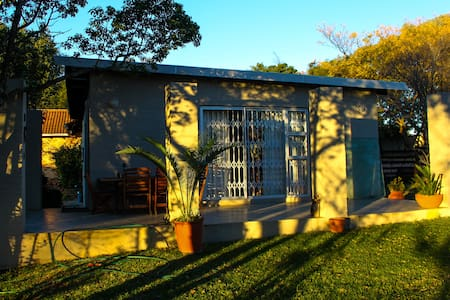 B & B COUNTRY/URBAN STAY/COTTAGE/FARMSTAY - Johannesburg