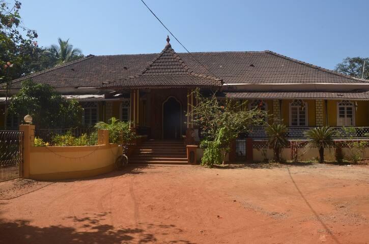 TT Mesquita Portugues Villa