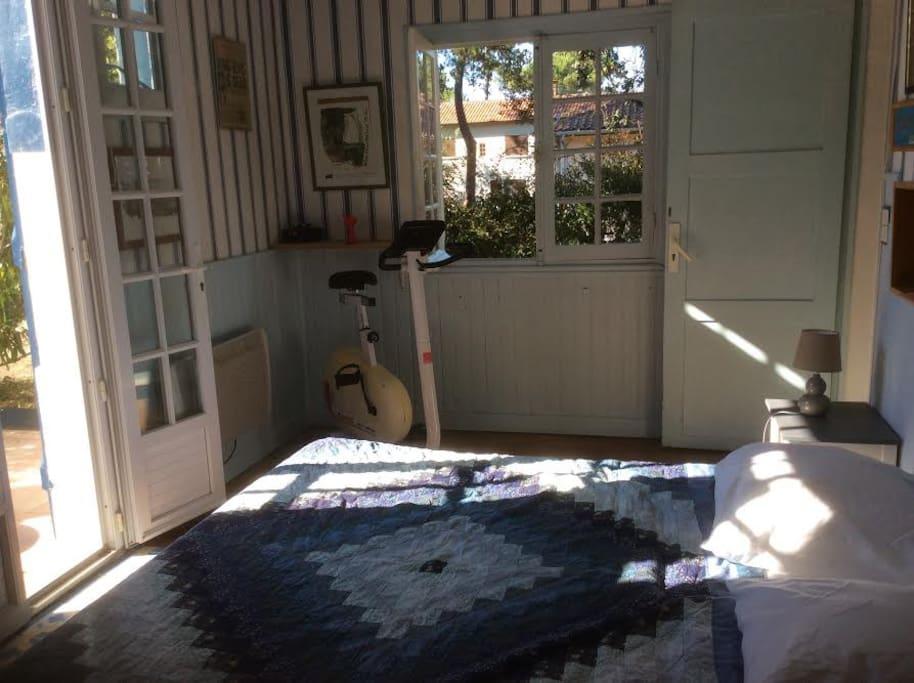 Chambre ouest 12 m² avec terrasse