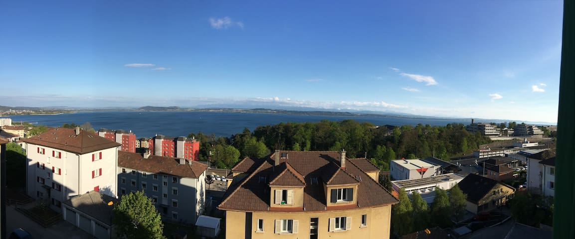Nice flat with a nice view on the lake. Free Wifi - Neuchâtel - Daire