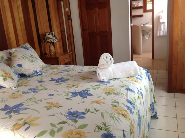 Purple Mayan Suites - BZ - Boutique-Hotel