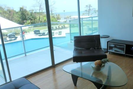 Tropical Getaway - Maria Chiquita - Condominium