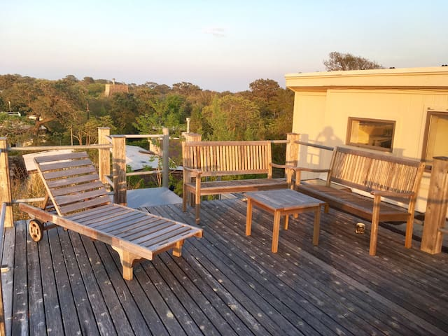 Relax on the sun set deck