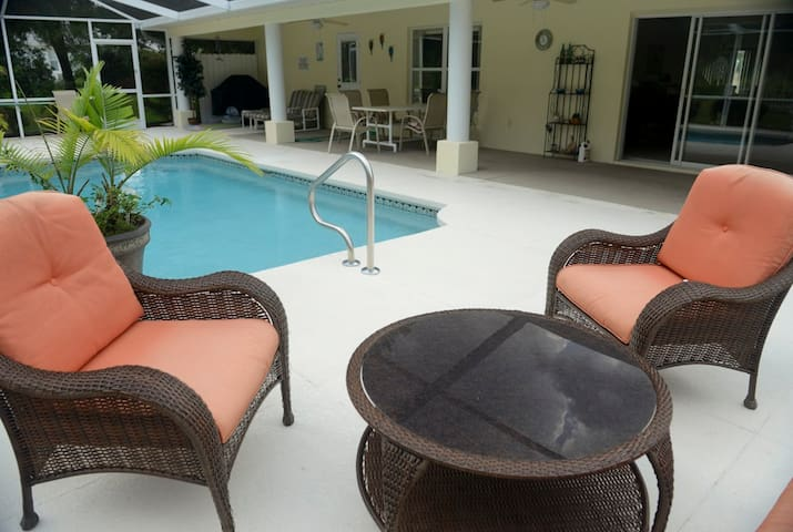 Great villa, private pool, located at golf course