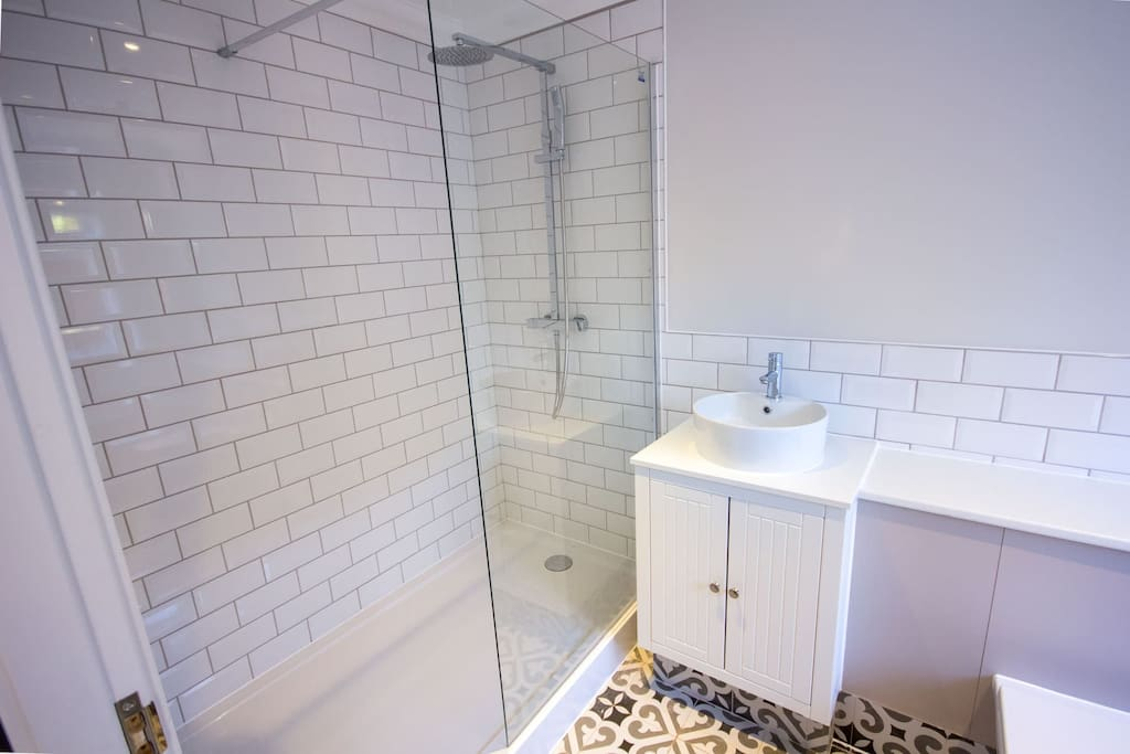 Beautiful ensuite shower room