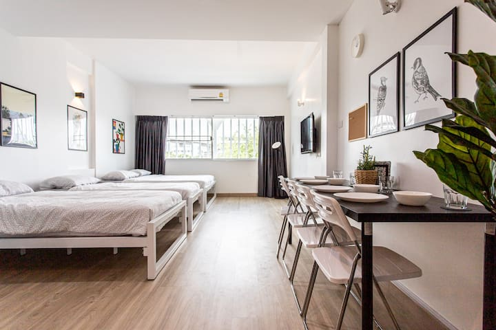 B3 Cosy Studio /5 guests/ Near MRT/full kitchen