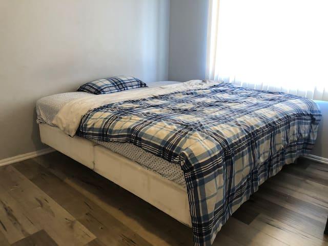 One Bedroom in Baldwin Hills