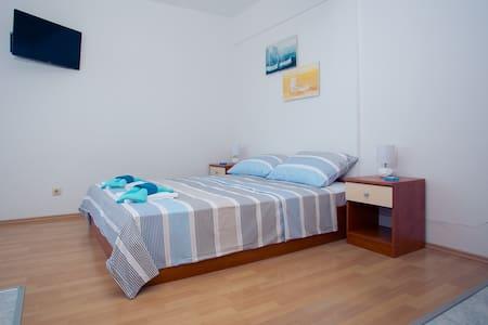 Studio Apartman Bruna Blue