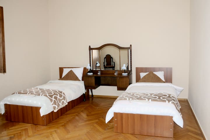 "Guest House ,,ANDRONIKE"" - Telavi - Bed & Breakfast"