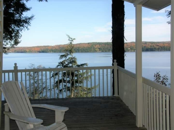 Lakefront Cottage  Spectacular View and Privacy