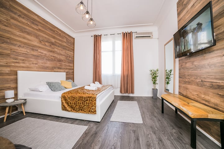 Savamala Downtown modern apartment and free garage