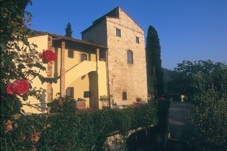 Torre delle Rose in Medieval House - Rignano sull'Arno, Florence