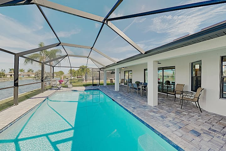 Impeccable Canal-Front Home w/ Lanai & Caged Pool