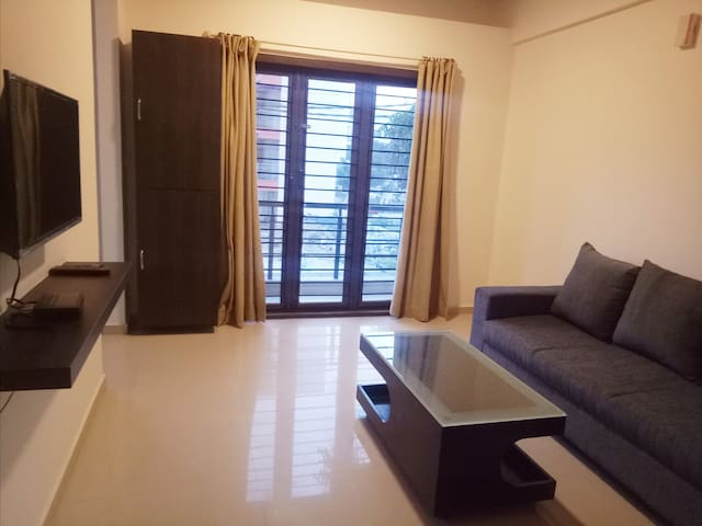 Well Lit 1bhk -WIFI -Tranquil Serviced Apartments