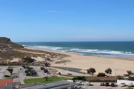 Praia Apartment Arias Branco - Lourinhã - Leilighet