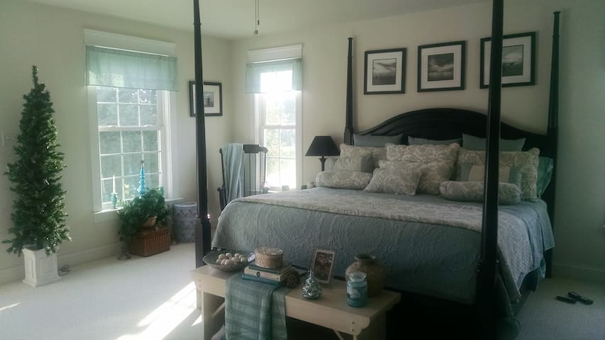 Fork Country Cottage Master Suite