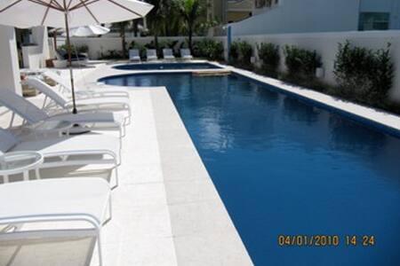 Mansão luxuosa em condomínio Jurerê internacional - Florianópolis