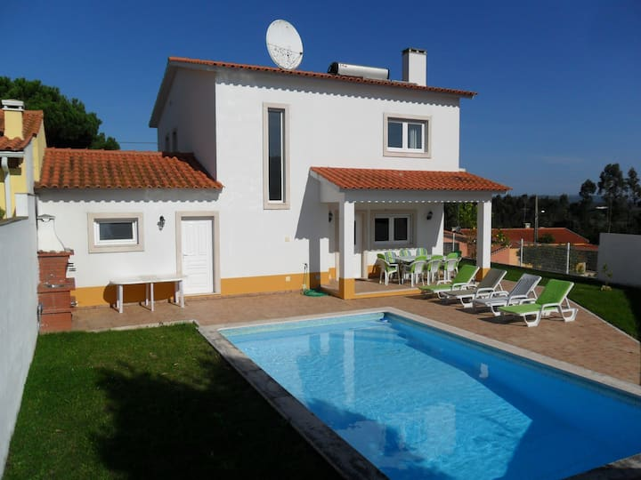Villa with internet, private pool and garden.