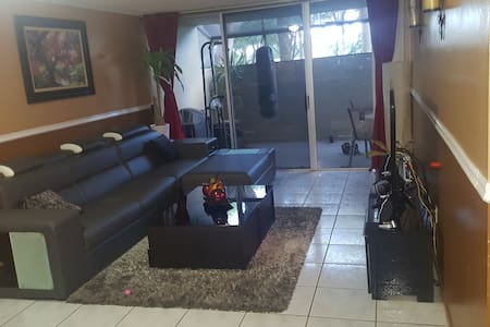Beautiful Private 1bd/1bath in Miami-West Kendall - 마이애미(Miami)