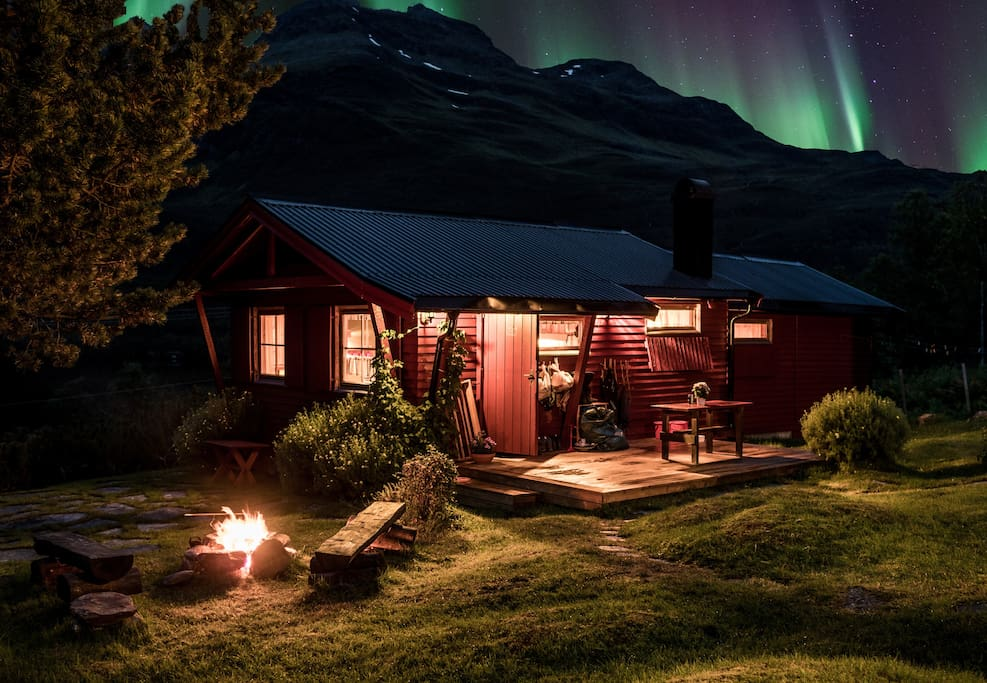 Autumn Aurora over the cabin in late September