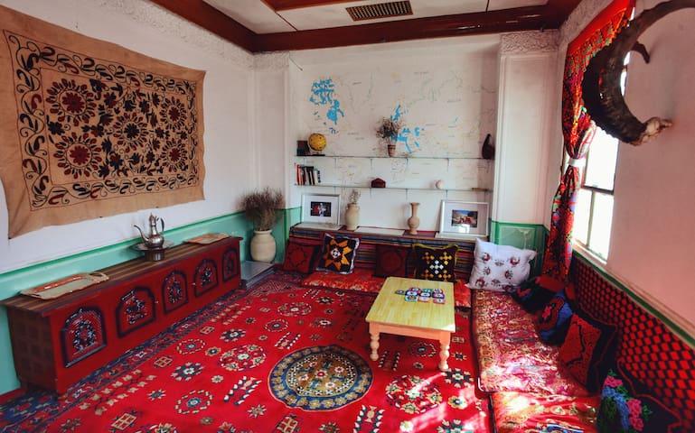 空岛|塔吉克风格小屋,一个爱旅行的姑娘的家