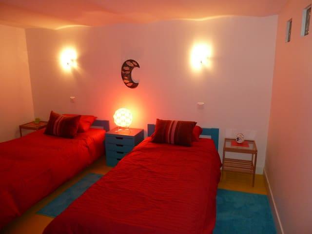 Chambre privée 2 lits proche de Paris - Bois-Colombes - Дом