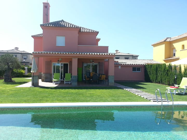 Fantastic villa in Novo sancti Petri Golf