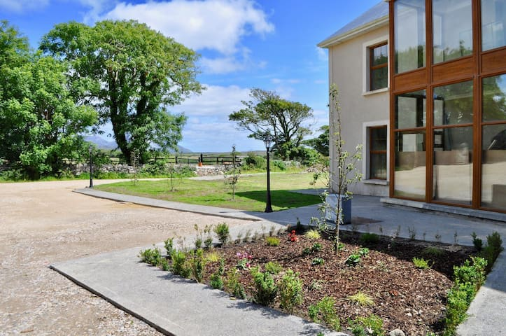 Island View Townhouse 4, Clifden
