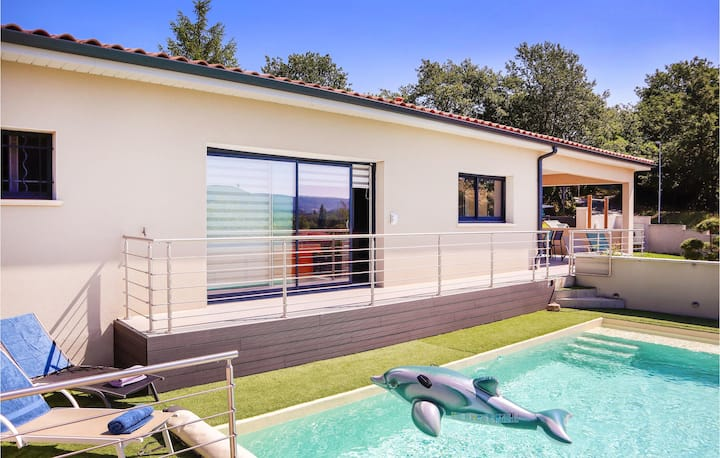 Beautiful home in Montboucher sur Jabron with Outdoor swimming pool and 3 Bedrooms