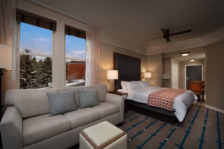 Marriott's Summit Watch Resort Studio