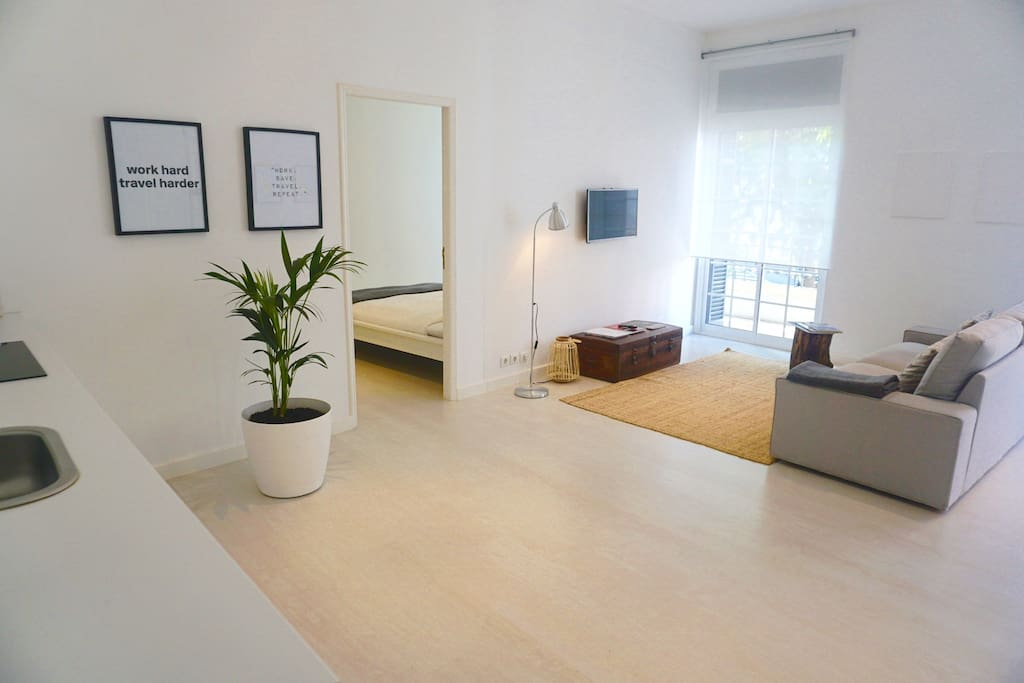 New charming design apartment city center apartamentos for Design apartment milano city center duomo
