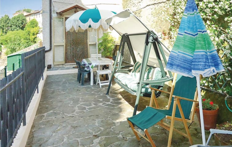 Terraced house with 3 bedrooms on 67m² in Camaiore -LU-