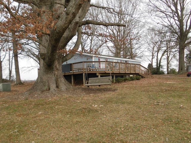 Golf Course Cottage (Includes All Golf Fees) - Locust Grove