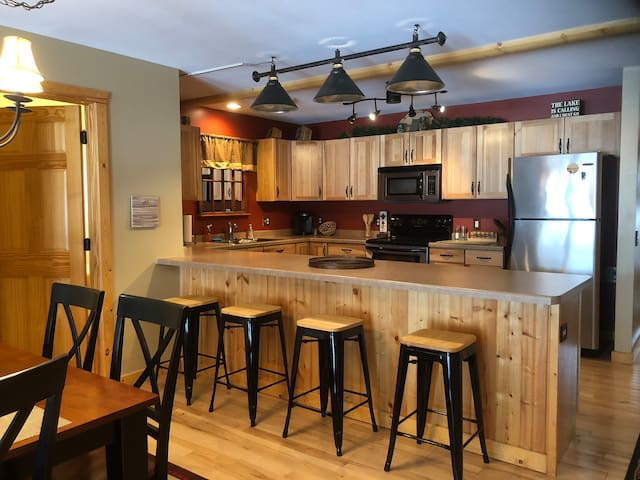Minocqua Lake Retreat, just steps from Downtown!