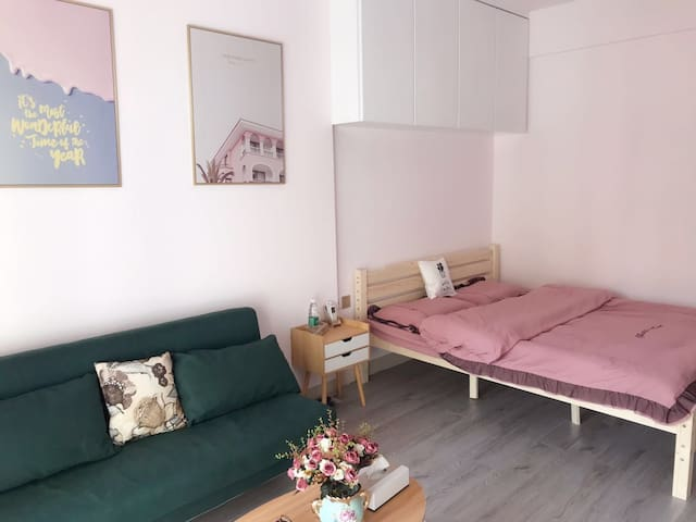 藕粉系北欧小清新-iHome公寓,市中心美食街旁,情侣/闺蜜最佳体验站