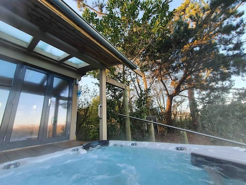 STILTZ Boutique Hottub Rural Retreat in Norfolk