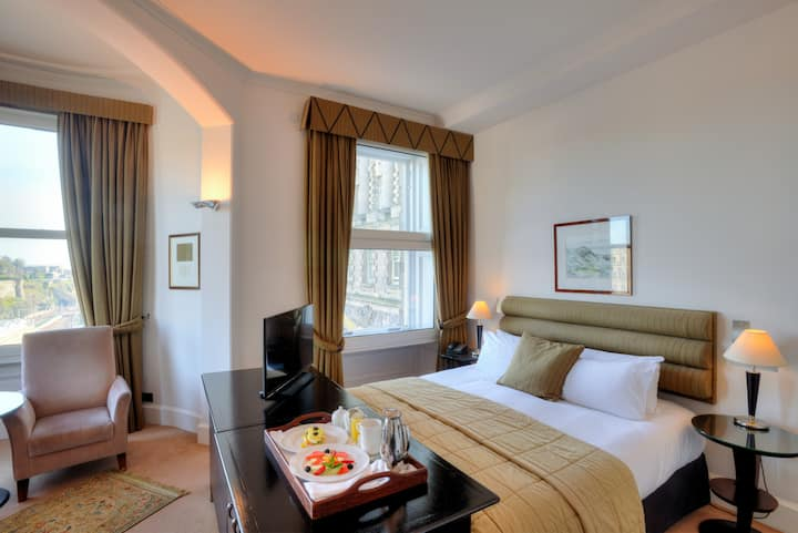 The Scotsman Hotel, Editor Double Room