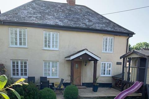 Alfington Farm Cottage, full of charm & character