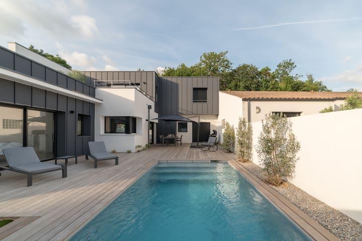 L'OASIS   Villa avec piscine chaufféeClassée 5*