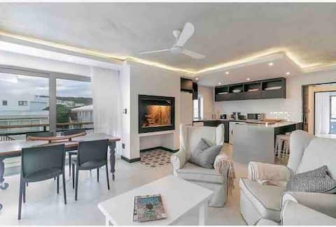 Buffalo Bay: Keerweder Apt, уютная, современная квартира на пляже