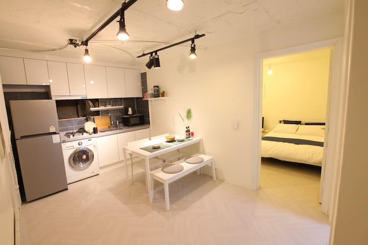 *OPEN SALE [3mins Hongdae stn.] Artist house.2 - Mapo-gu - Ev