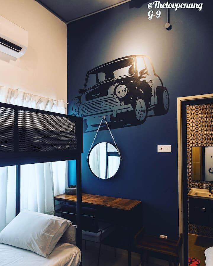 THE LOV PENANG: MINI MANIAC ROOM IN VILA @ AIRPORT