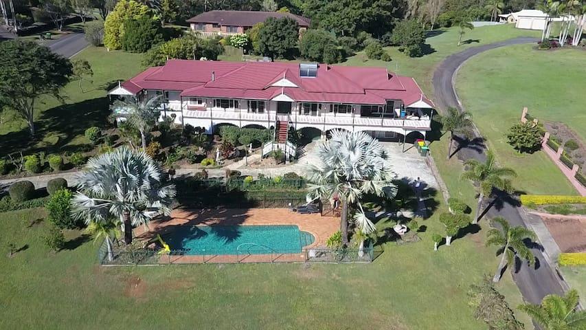 Terranora House/Tweed/Gold Coast- 5 Bedrooms-Views