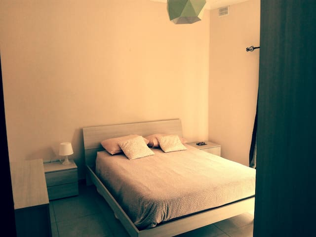 CENTRAL(SLIEMA)PRIVATE Dooble Room&balcony!WIFI - Tas-Sliema