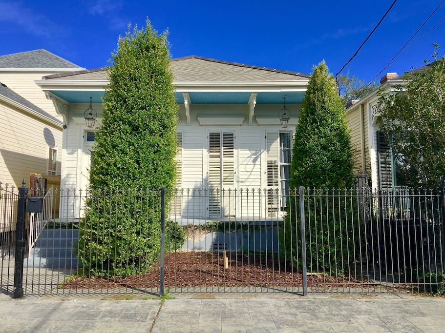 One bedroom in loft 3 queen beds near magazine houses 3 bedroom houses for rent in new orleans