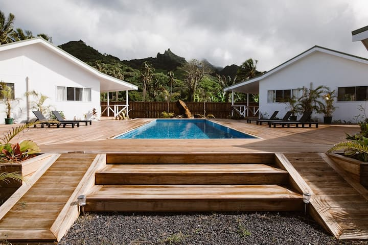 Charlie's Villa 1 Pouara